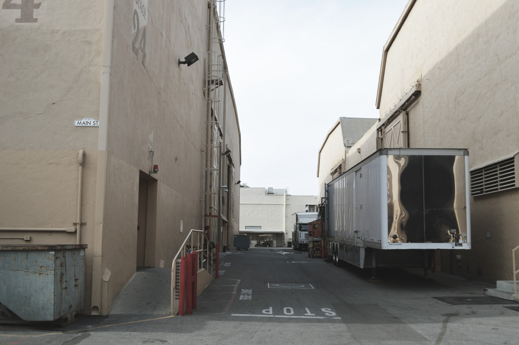Sony_pictures_entertainment_studios_stage_24
